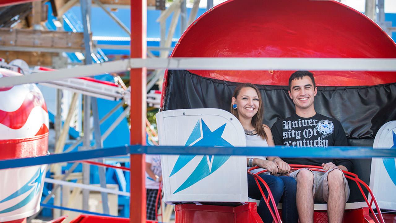 Tilt a Whirl at Cliffs Amusement Park