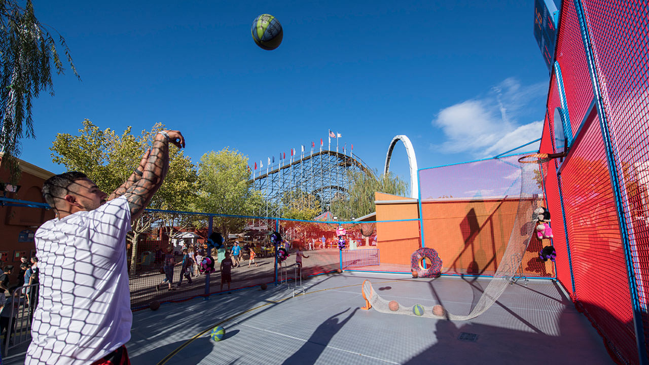 Three Point Shooting Game at Cliffs Amusement Park