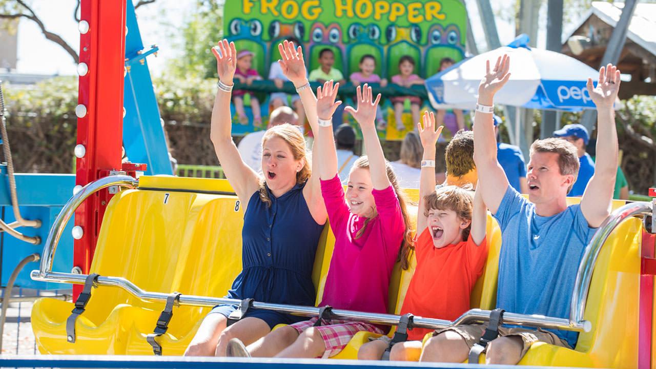 Happy Swing at Cliffs Amusement Park