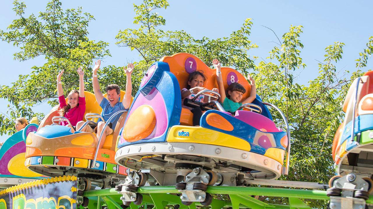 Spin-O-Rama ride at Cliffs Amusement Park