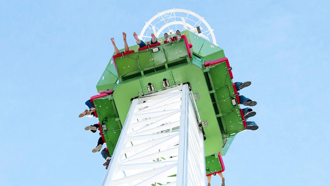 Cliff Hanger ride at Cliffs Amusement Park