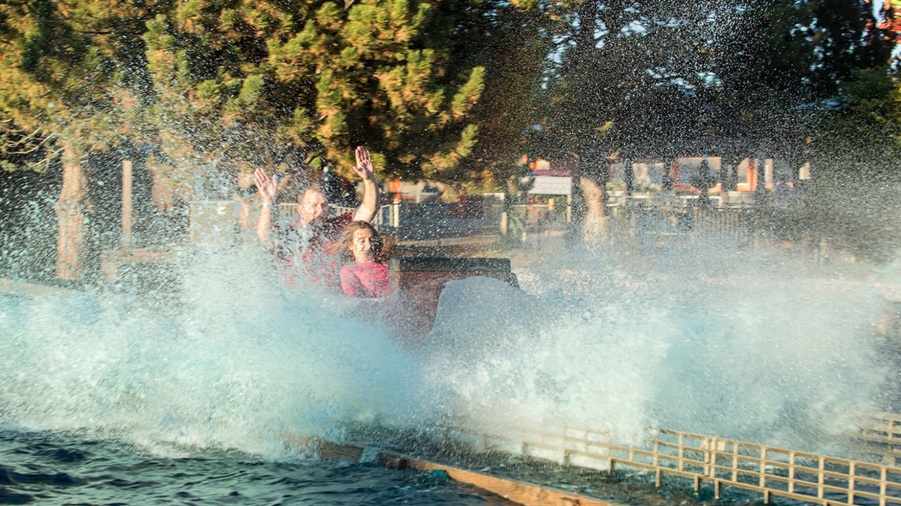 Rocky Mountain Rapids ride at Cliffs Amusement Park
