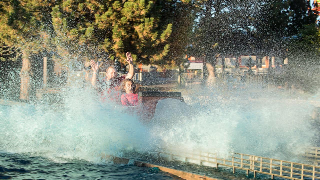 Rocky Mountain Rapids ride at Cliffs Amusement Park